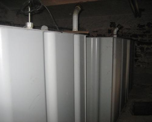 Tanks im Keller