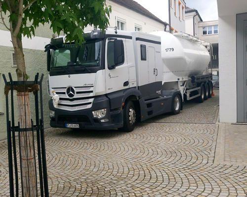 Transport von Steinmehl