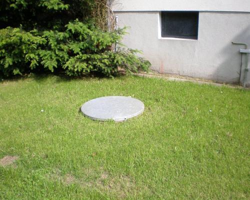 Erdtank im Vorgarten