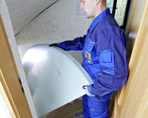 Die Tank-Einzelteile gehen problemlos durch jede Tür